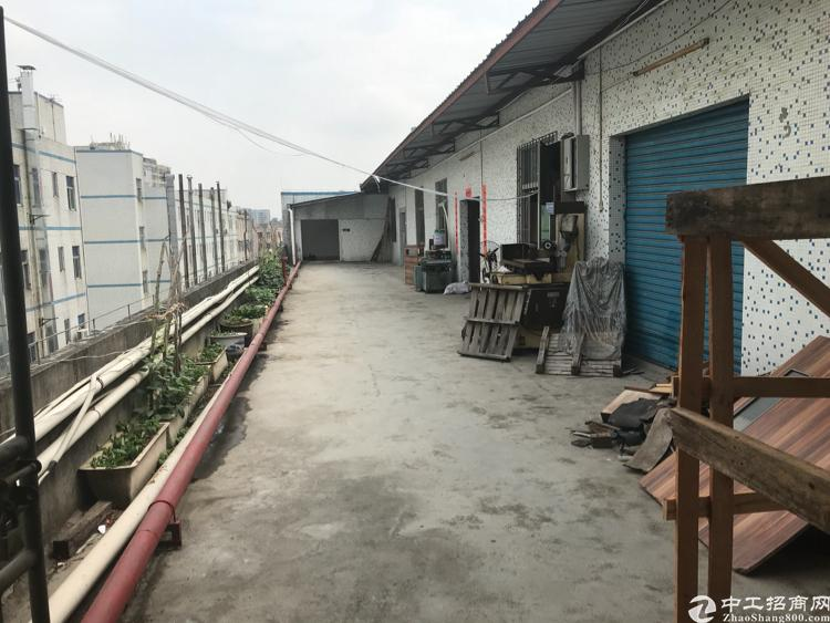 观澜福民茜坑工业园楼上1100平方16块出租