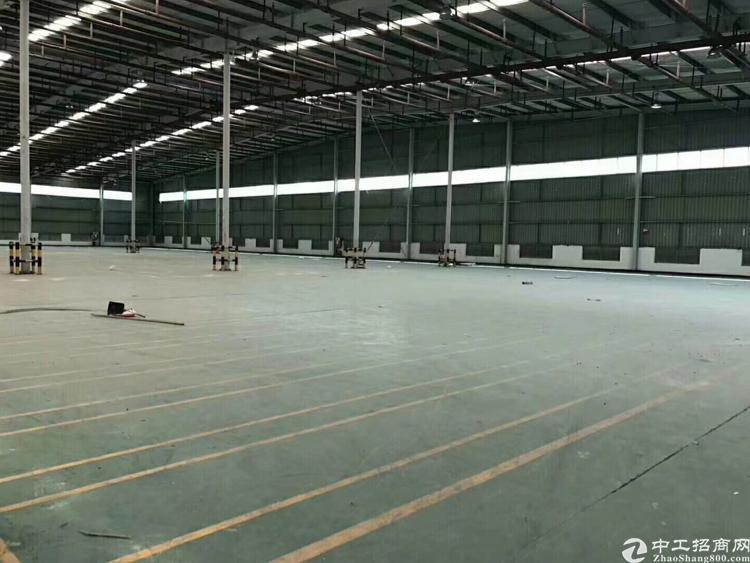 坂田新出2700平米钢构厂房出租