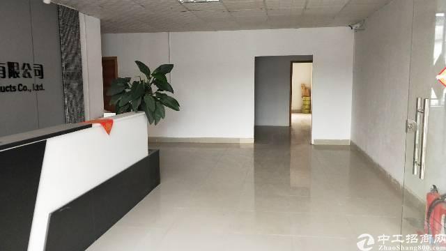 石排镇 合适办公 仓库 隔成好几个房间 有意者随时咨询