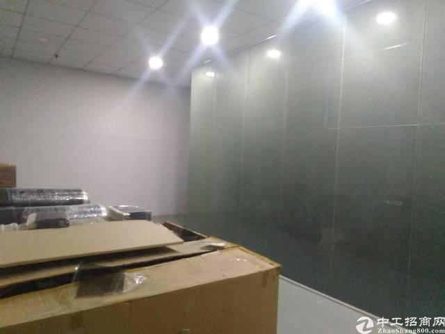 沙井庄村新出楼上1400平方厂房