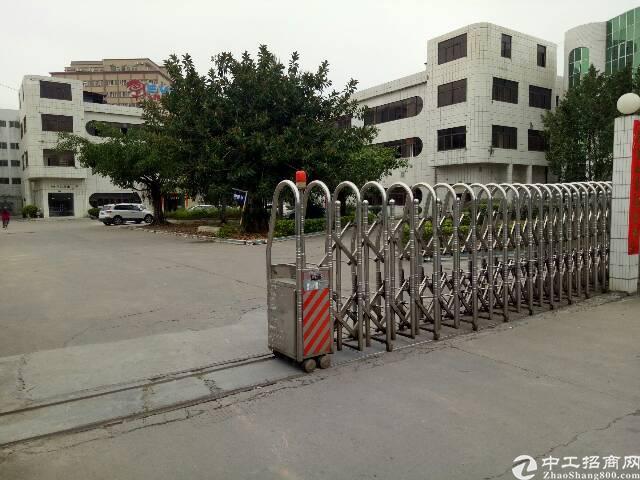清溪镇靠近塘厦凤岗标准厂房带装修3楼1500㎡出租
