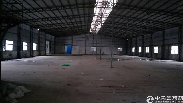 公明西田5000平方钢构厂房大小可分