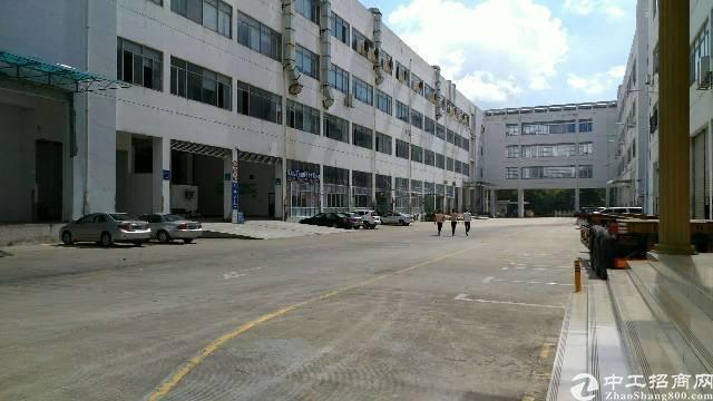 龙岗宝龙高薪园区带红本带卸货平台厂房一二楼各4000平出租