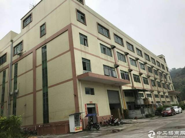清溪镇靠塘厦林村成熟工业园新出厂房2楼4000㎡(可分租)