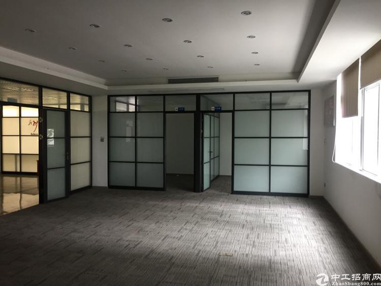 龙华天虹商场旁3楼一整层625平方米,带精装修