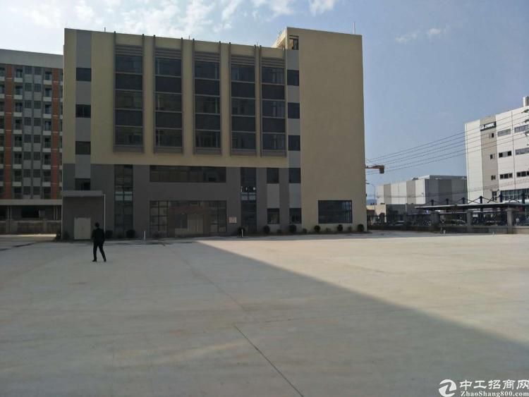 深圳周边10万平方1楼7米高全新厂房出租