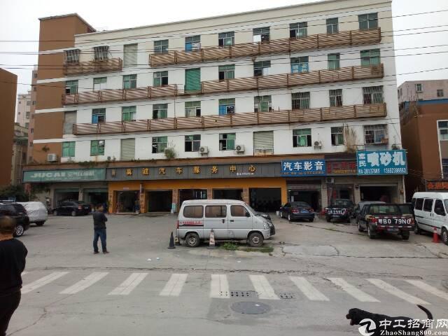 龙华布龙边一楼400平方米厂房招租