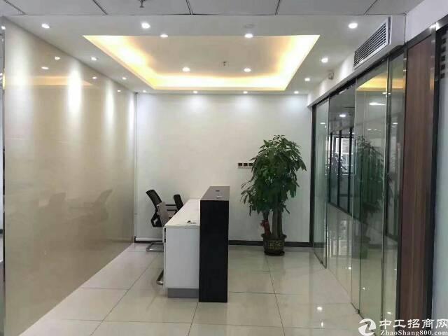 龙华地铁口甲级写字楼306平带家私拎包办公