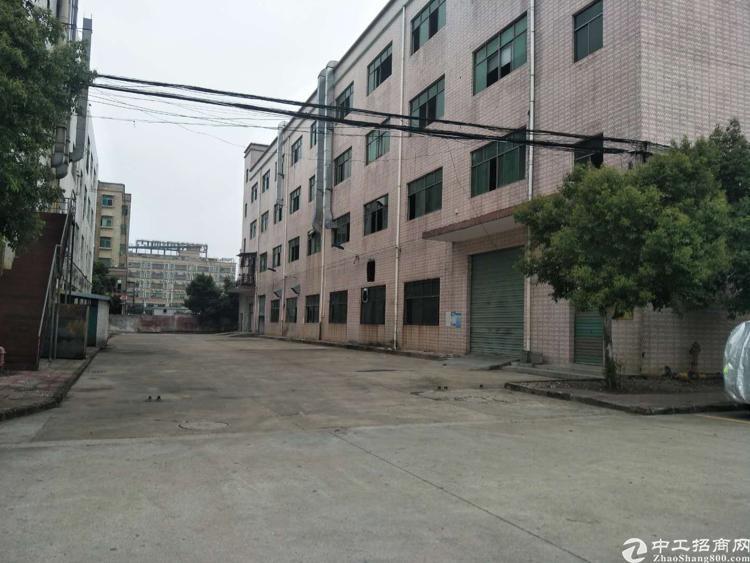 很感安良社区东门独院厂房6000平方大小可以分组