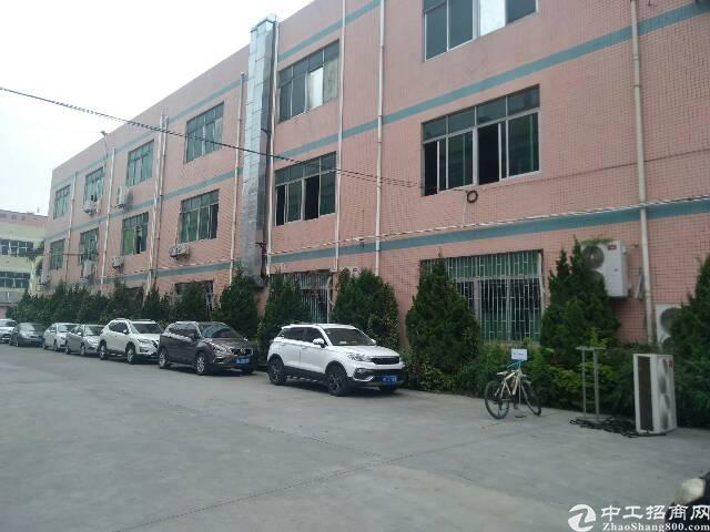 观澜环观中路旁工业园厂房一楼1300平米出租