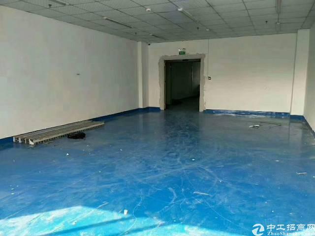福永和平楼上带装修1200平米厂房出租