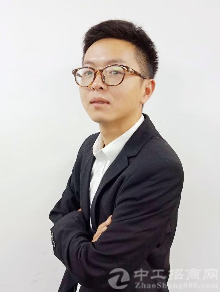 厂房经纪人齐磊