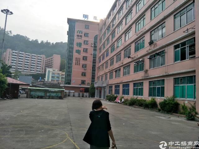 宝安独门独院厂房出租13100平方。