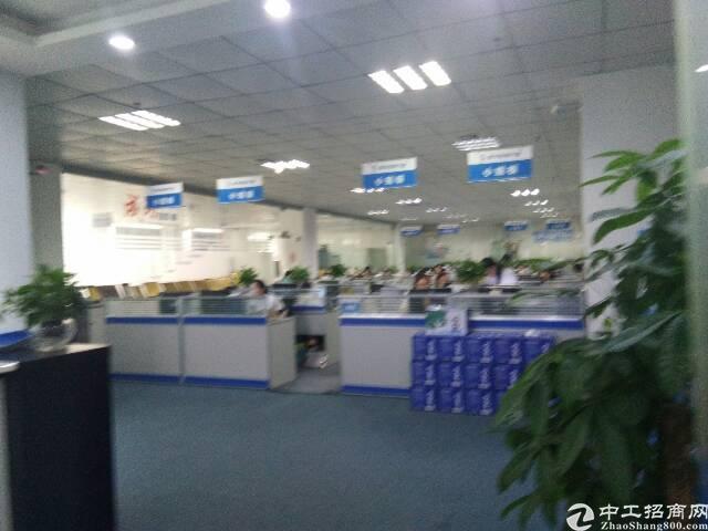 福永地铁口1000平装修厂房,依需求分租