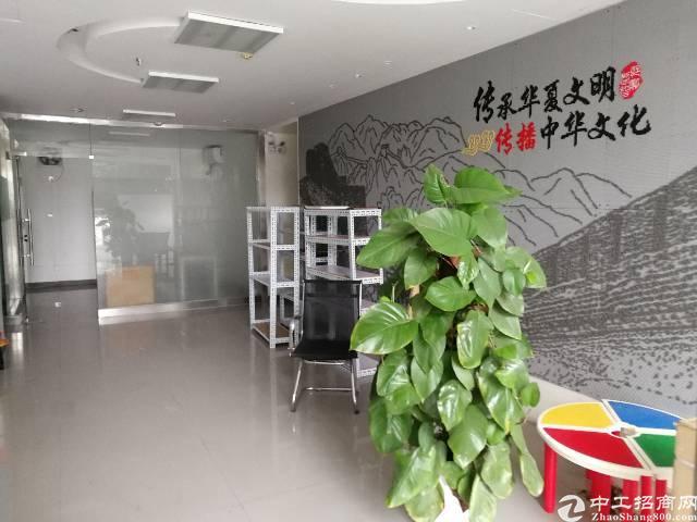 横岗四联189工业区一楼500平方精装修厂房出租!
