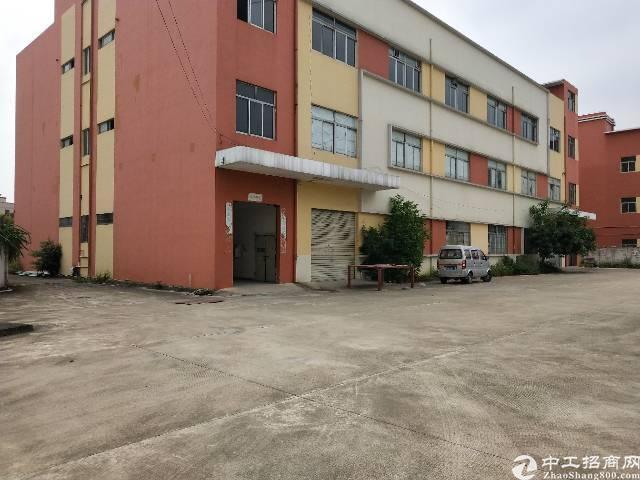 坪地高速路口旁新空出厂房2-3层各1580平米共3160平