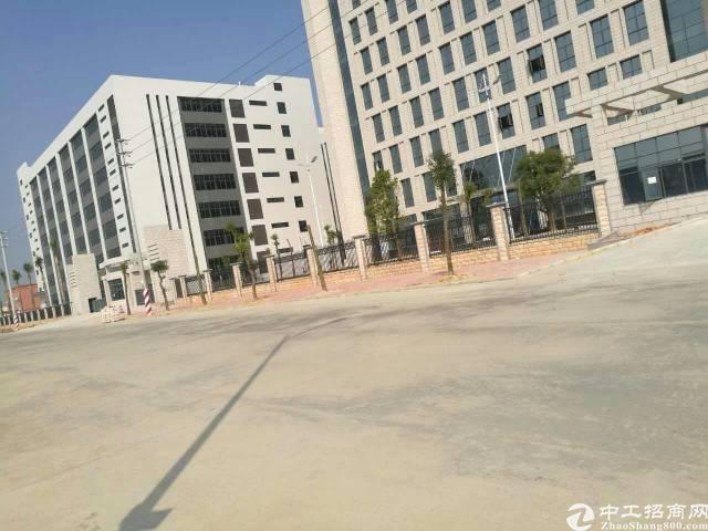 东城区牛山工业区标准厂房一二层出租3000平方