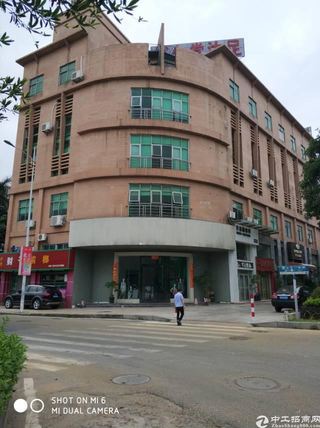 高埗镇公寓楼一楼小厂房出租