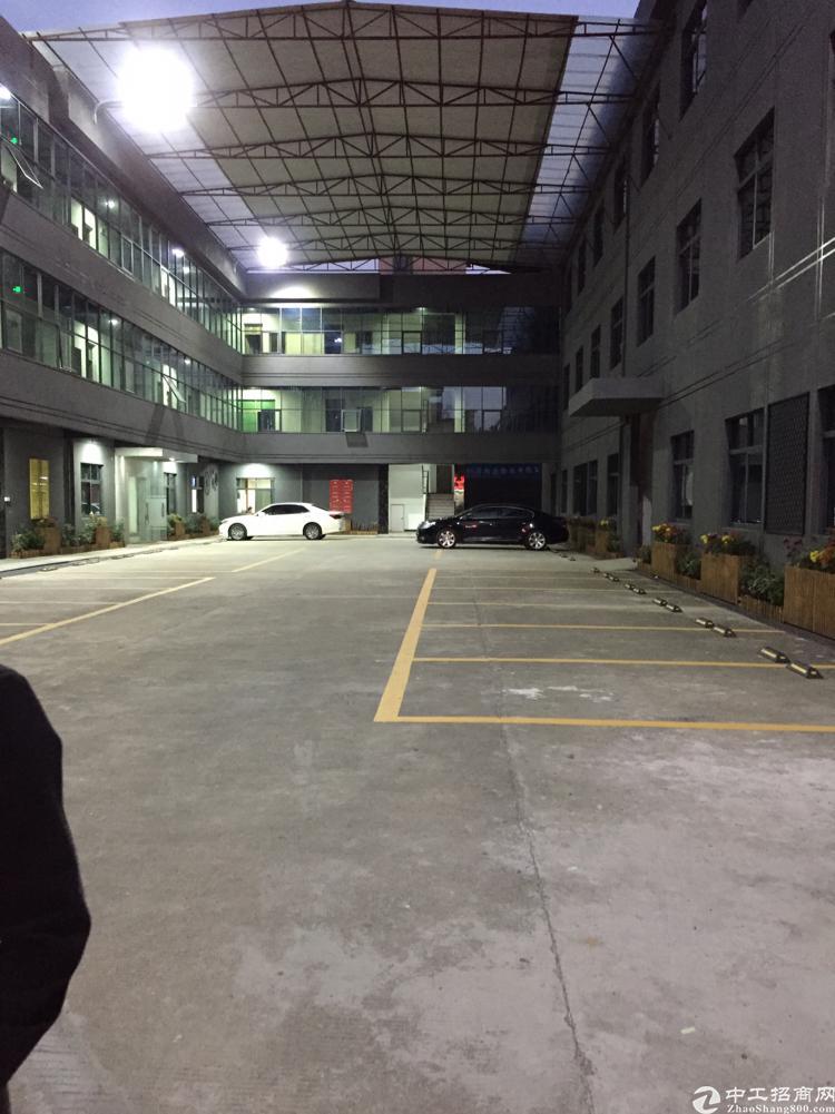 横岗沙荷路旁精装独门独院5800平厂房招租