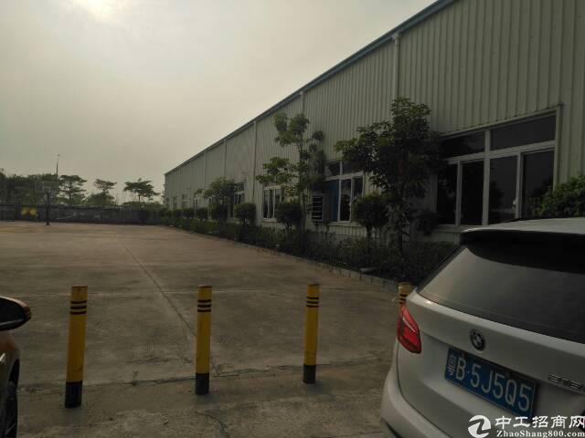 出租福永沿江高速出口附近1500平米8米高单一层整栋厂房