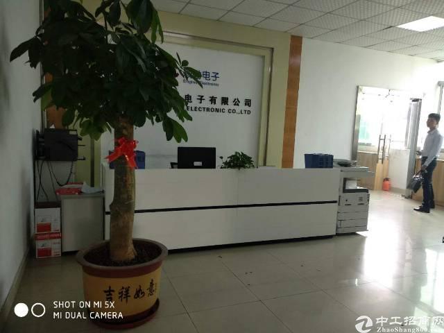 福永和平新出楼上1400平精装修厂房,适合办公贸易,电子等