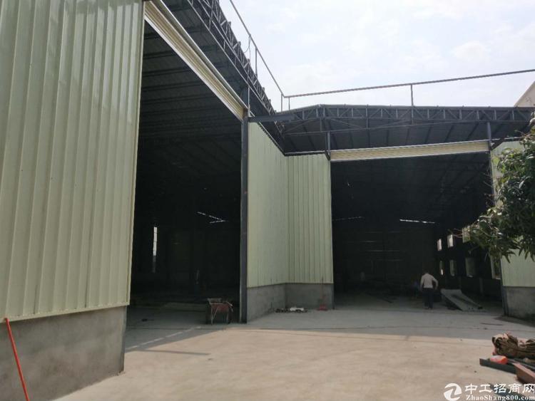 长安镇厦边社区新出钢构厂房3500平,报价24地理位置好。