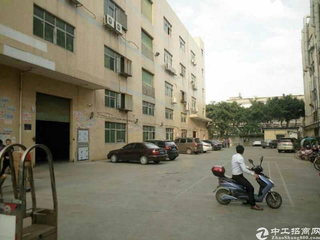 沙井庄村新出楼上1200平精装厂房出租