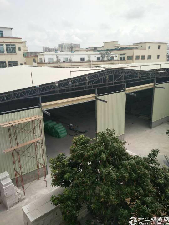 长安镇沿江高速路口附近厂房