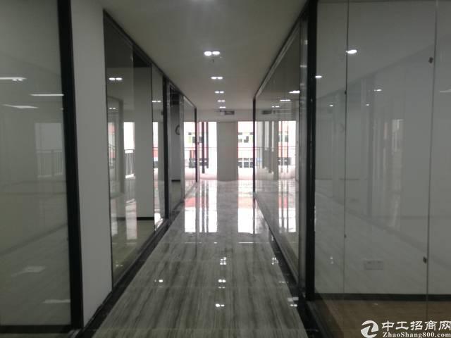 福永地铁口旁边湖景写字楼出租