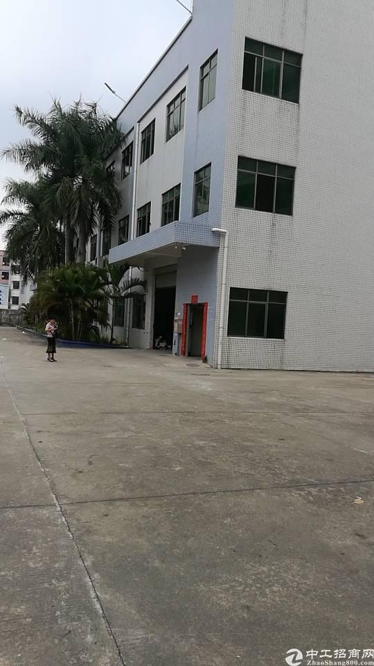 独院厂房1-3层4800平方招租