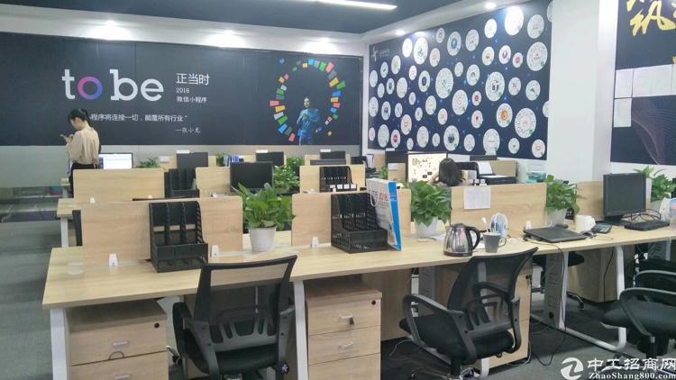 布吉丹竹头地铁站新出5000平米带装修厂房出租