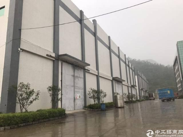 清溪镇新出独院单一层厂房10000㎡带现成行车