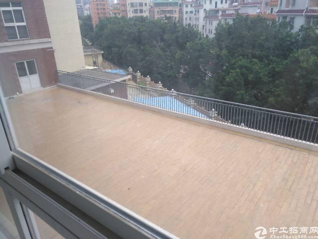 龙华天虹附近豪装办公楼700平一整层