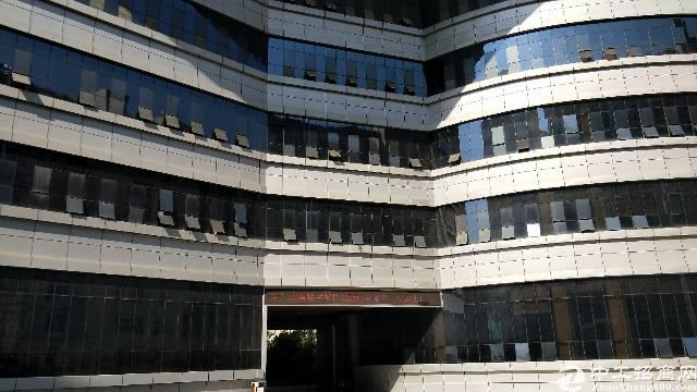 观澜花园式工业园楼上一整层厂房4650平米出租可分租