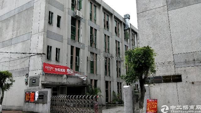 虎门镇新出独院厂房面积1500平方,租金13块