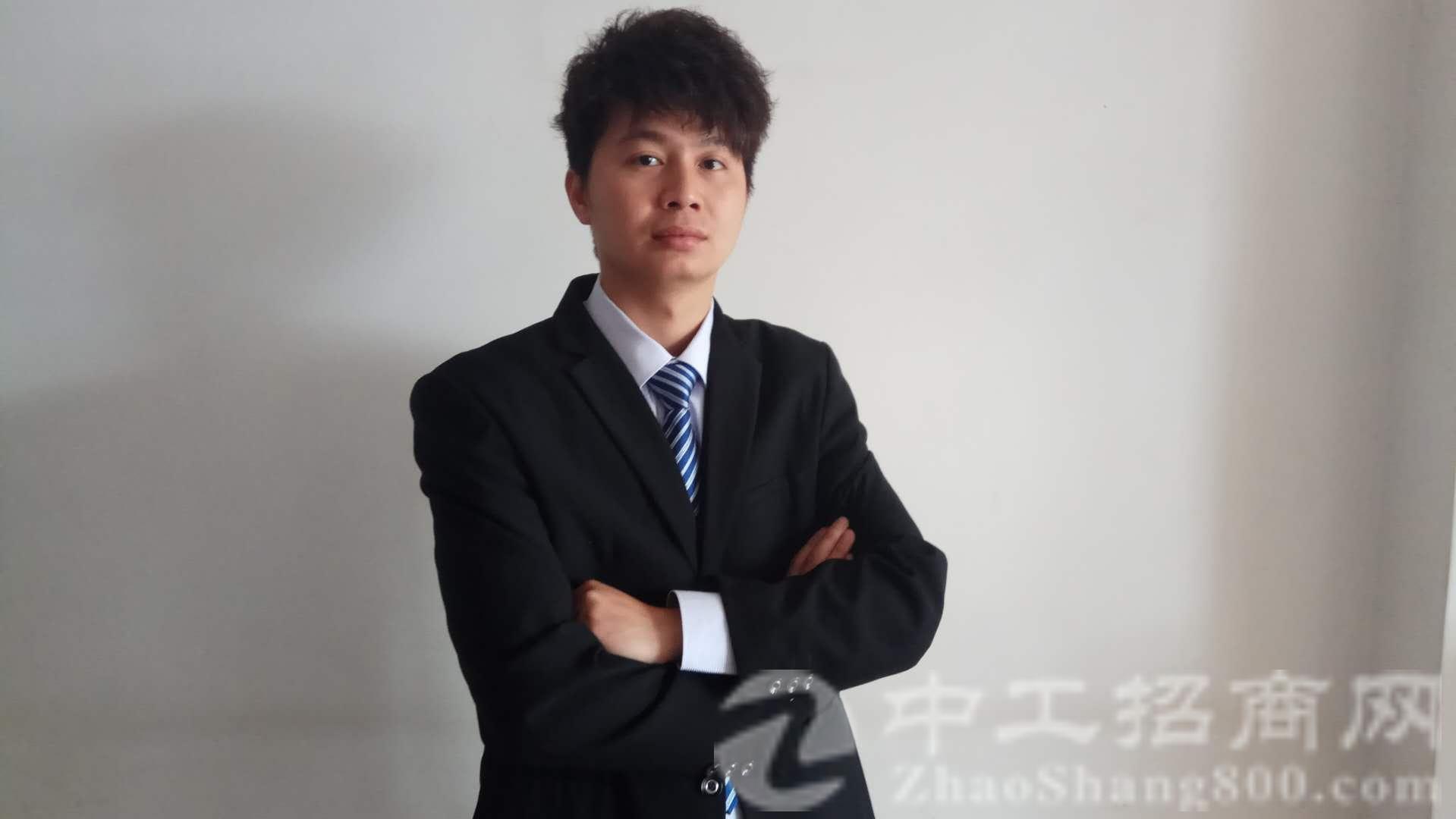 厂房经纪人刘俊良