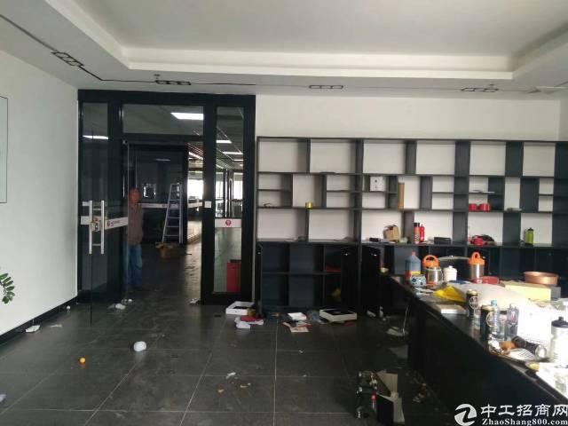 福永凤凰107国道厂房 楼上4000平方 带装修 交通方便
