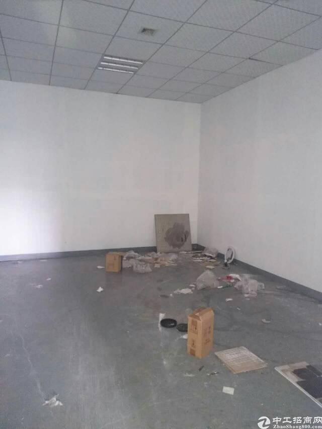 清溪楼上现成办公室装修厂房600㎡出租