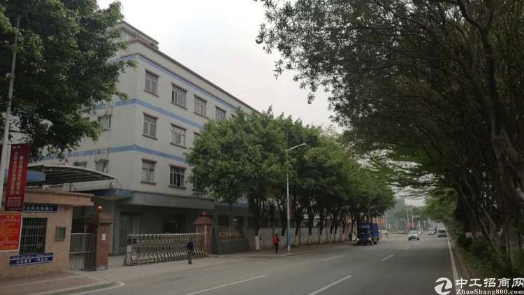 大岭山镇新空出上市公司厂房13490平花园式厂房3层可办环评