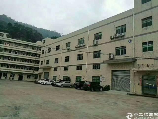 东莞,清溪镇现有厂房,三楼3200平方