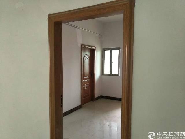 黄江镇社贝村附近新出楼上一整层1080平方出租