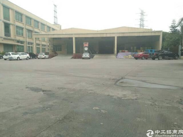 龙岗坪地红本钢构3900平米出租,滴水8米