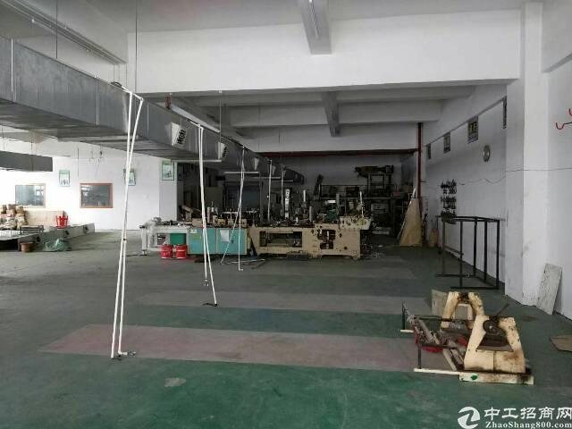 长安靠深圳位置大型工业园楼上一千平厂房出租