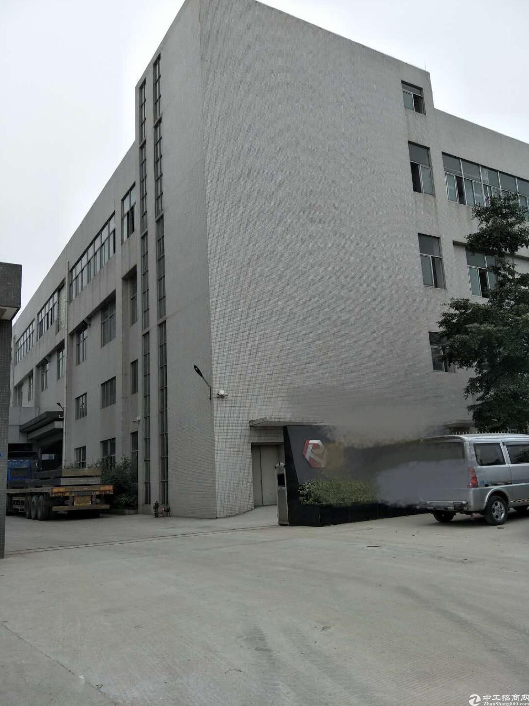 大岭山可办环评厂房三楼1700平方出租