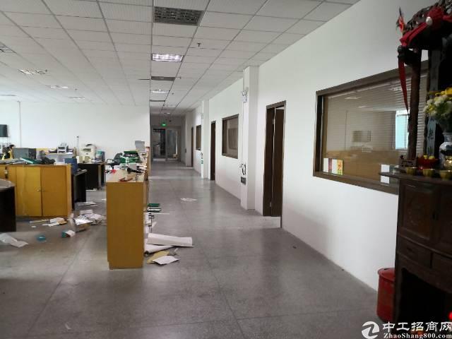 沙井实际面积带装修二楼1100平米厂房出租,带拉线