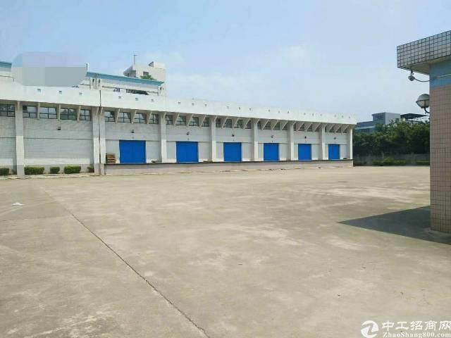 东莞寮步石大路边单一层独院厂房9500平大小低价分租