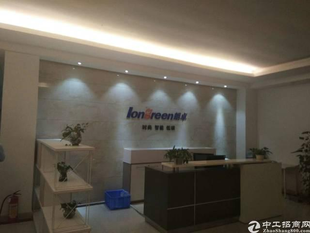 福永新和沿江高科出口楼上整层2200平米豪华装修无转让费