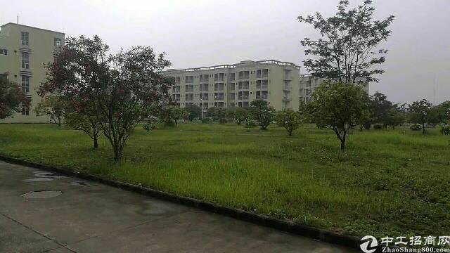 虎门镇沿江高速口新出厂房42000平方独门独院,花园式厂房!