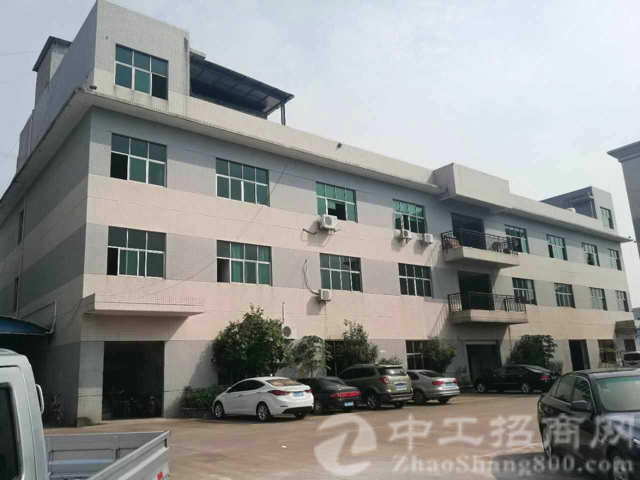 茶山镇新出厂房。厂房三层,面积5580方一栋,可分两个独院,