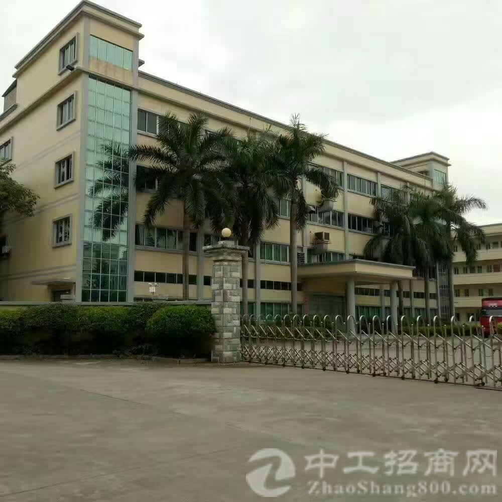 茶山镇精致独门独院厂房3层4800平米,带两吨电梯